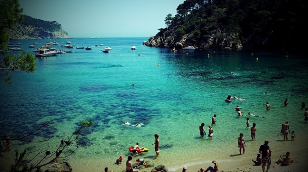 La-Playa-de-Aiguablava-en-Begur1